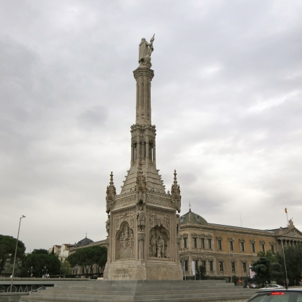 Plaza de Colón. This plaza and its fountain commemorate the explorer Christopher Columbus, whose name in Spanish was Cristóbal Colón.