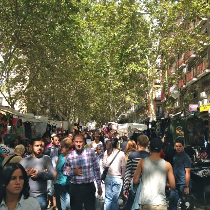 El Rastro is the most popular open air flea market in Madrid. It is held every Sunday and public holidays during the year and is located along Plaza de Cascorro and Ribera de Curtidores, between Calle Embajadores and the Ronda de Toledo.
