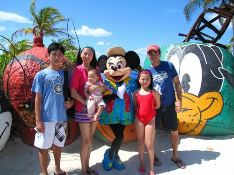 Family picture with Minnie.