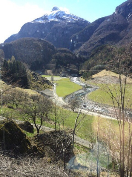 In contrast to the white lunar surroundings we travelled through, We approached the Flam Valley - a welcoming scenery of spring.